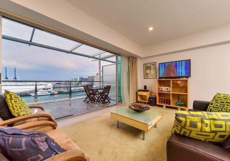 Harbour Side Escapade - Princes Wharf - $319,000 / 1 bed / 1 bath / 1 car
