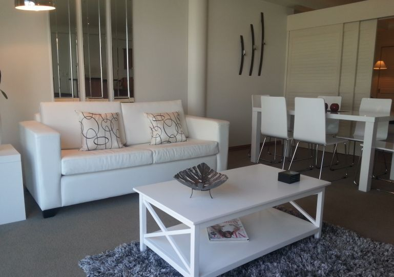 lounge-001-nice.jpg