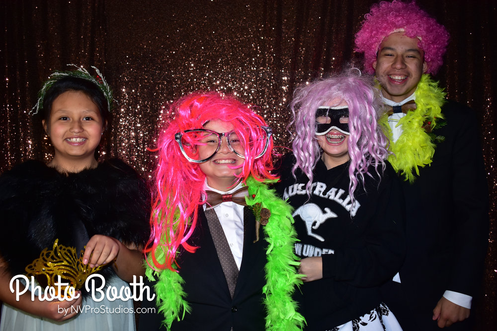 J & V Photobooth-2.jpg