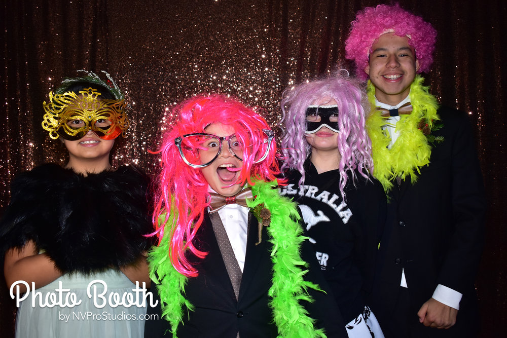 J & V Photobooth-1.jpg