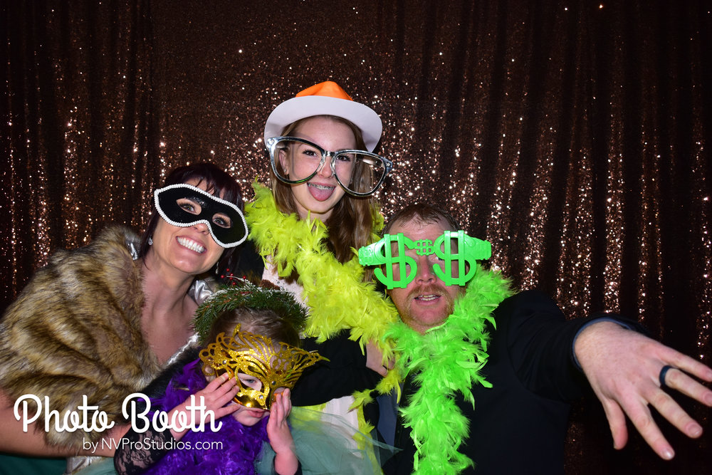 J & V Photobooth-6.jpg