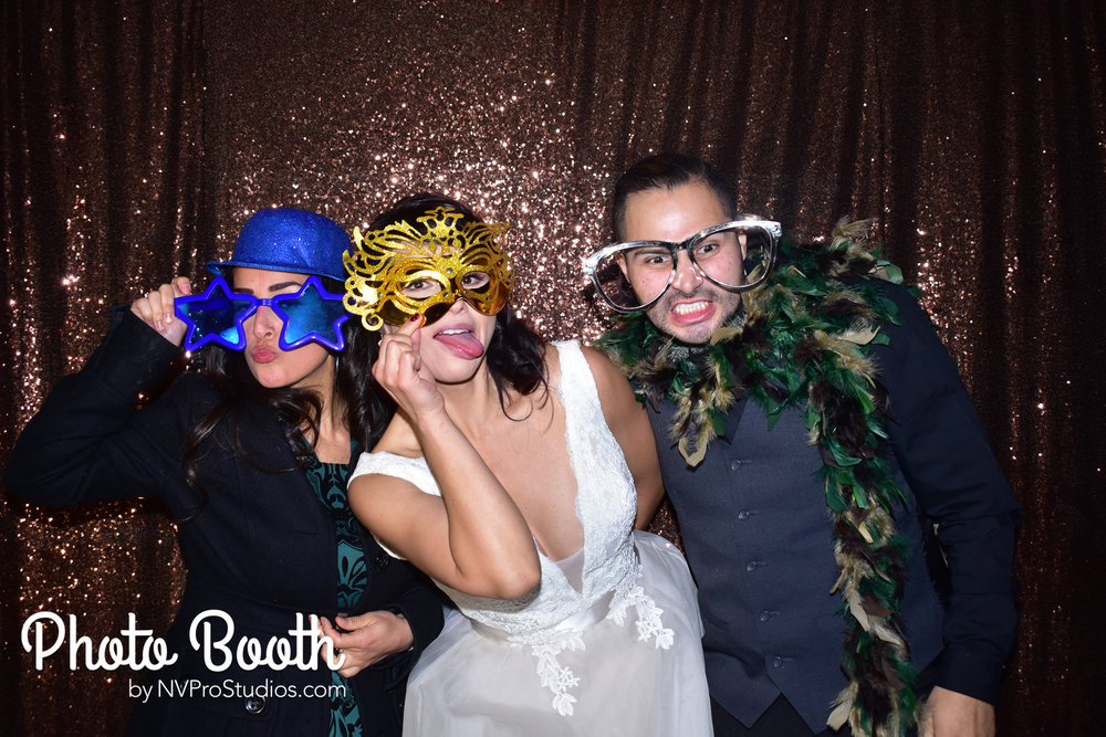 J & V Photobooth-24.jpg