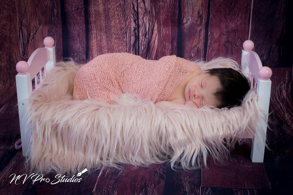 Ariellas Newborn-35.jpg