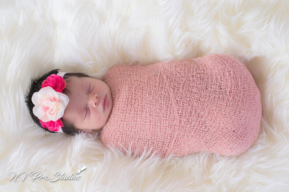 Ariellas Newborn-22.jpg