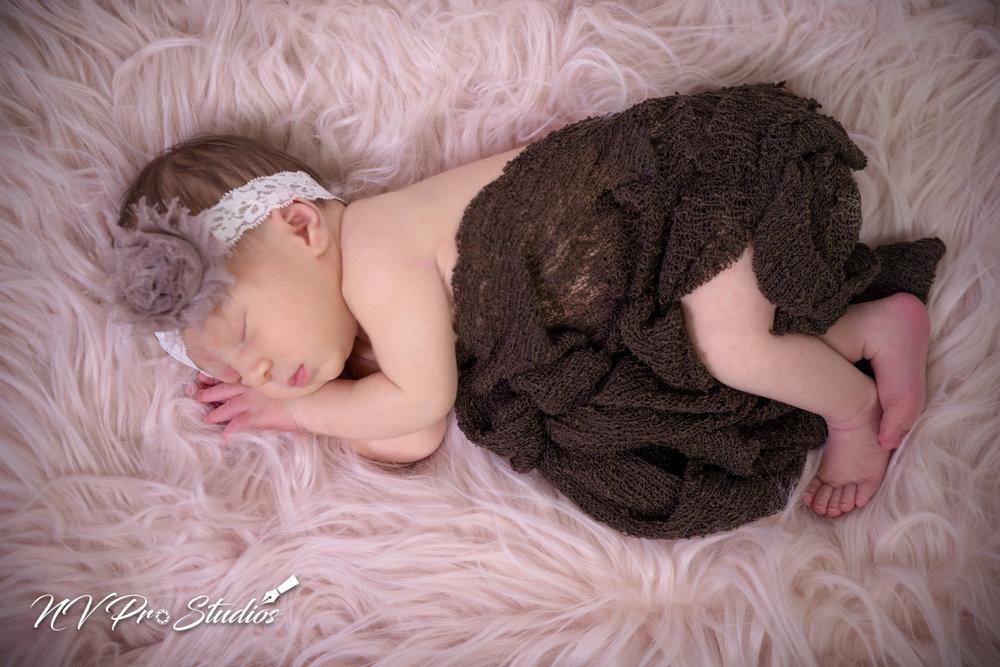 Lauras Newborn-10.jpg