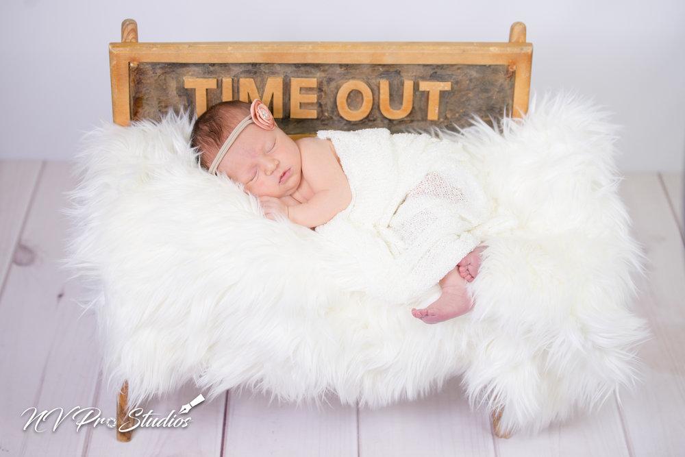 Lauras Newborn-40.jpg