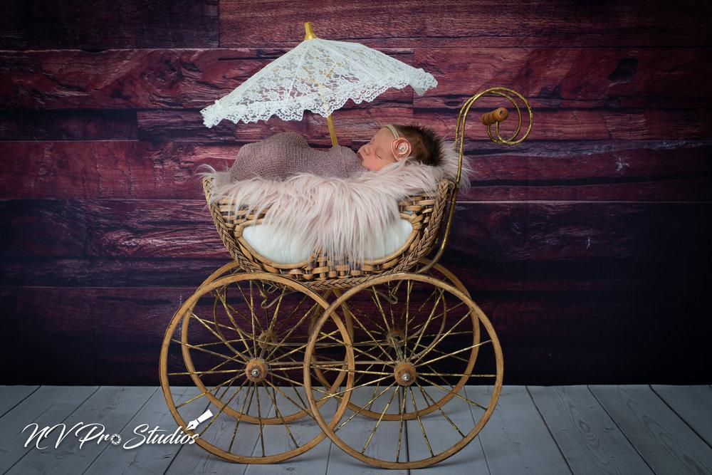 Madelynes Newborn-17.jpg