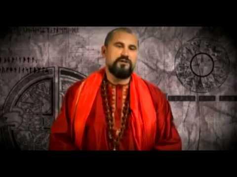Vishnudevanda Giri - Свами Вишнудевананда Гири, известный российский духовный учитель, организатор Конгресса Адвайта-Веданты в Москве, основатель университета йоги Дивья Локка, готов поделиться с каждым желающим бесценным опытом в учении Атма Vichara.Кроме того, Вишнудевананда является автором многочисленных книг, видеокурсов и лекций, в которых мастер доходчиво раскрывает суть учения. Мантры и обряды в традиционном Индийском стиле являются частью программы мастера. Вишнудевананда впечатляет ясностью и высотой изречений, которые направлены на духовную реализацию.