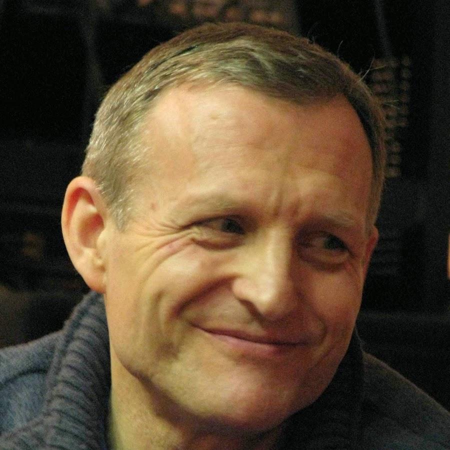 Richard Lang - Ричард Ланг, вместе с Дугласом Хардингом, является основателем популярной на западе теории