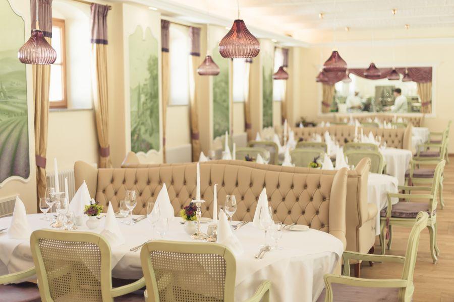 schloss-thalheim-restaurant.jpg