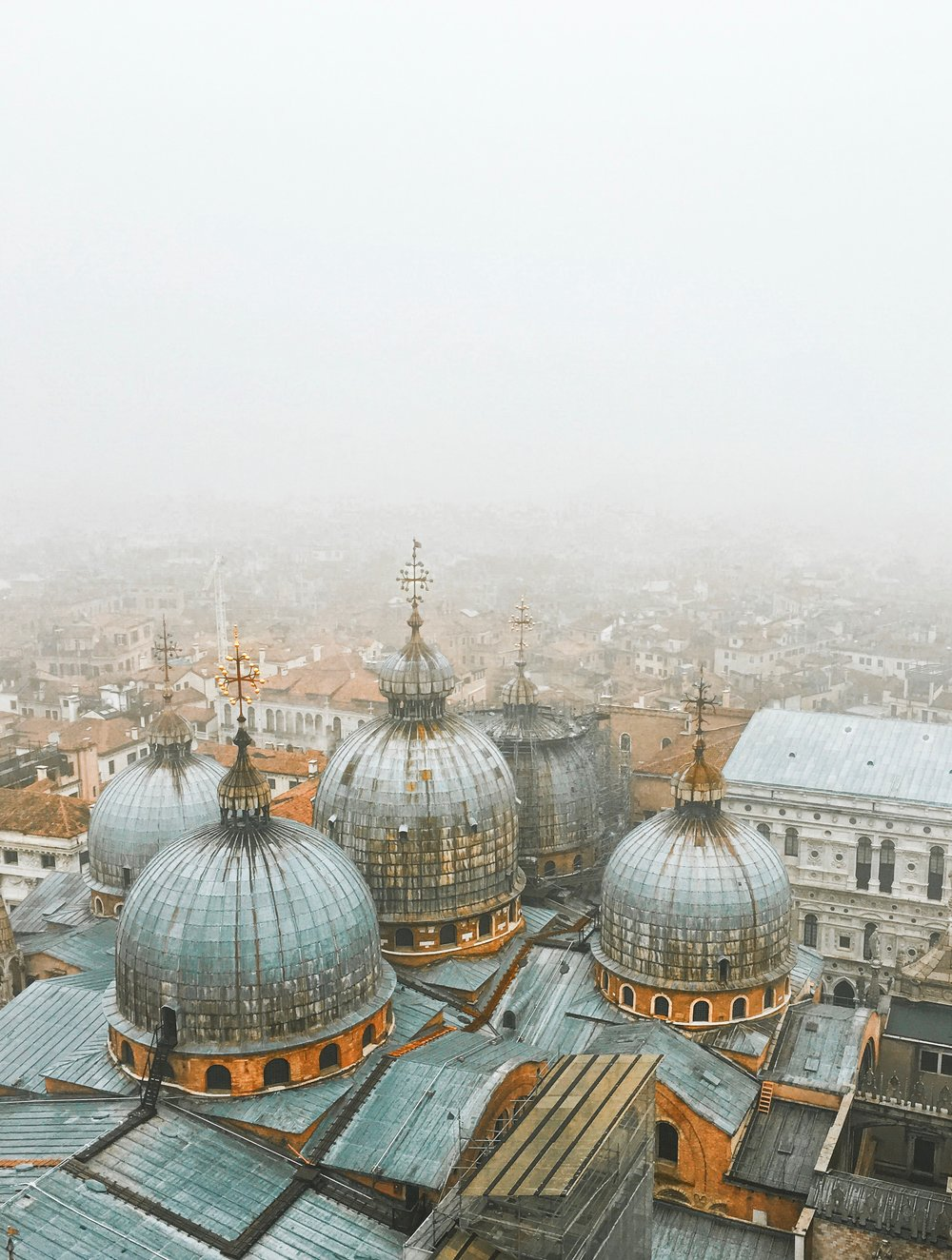 Travel_Venice_Rooftops.jpg