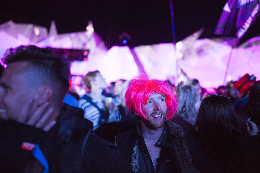 HN_GLASTO_NIGHT_25.JPG