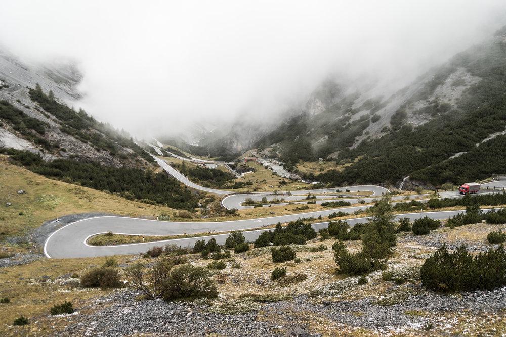 stelvio-pass-hairpin-turns-mountain-road-italy-picjumbo-com.jpg