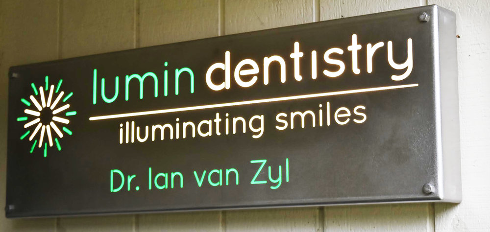 Lumin Dentistry Sign.jpg
