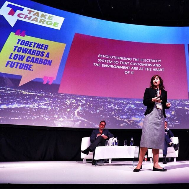 Tempus CEO Sara Bell at the recent #takecharge2017 event with IIEA and @theesbgroup - Talking about how customer flexibility will change the energy market . . #demandflexibility #tempusenergy #climatechange #startchange #socialimpact #energystartup #energyinnovation #energytechnology