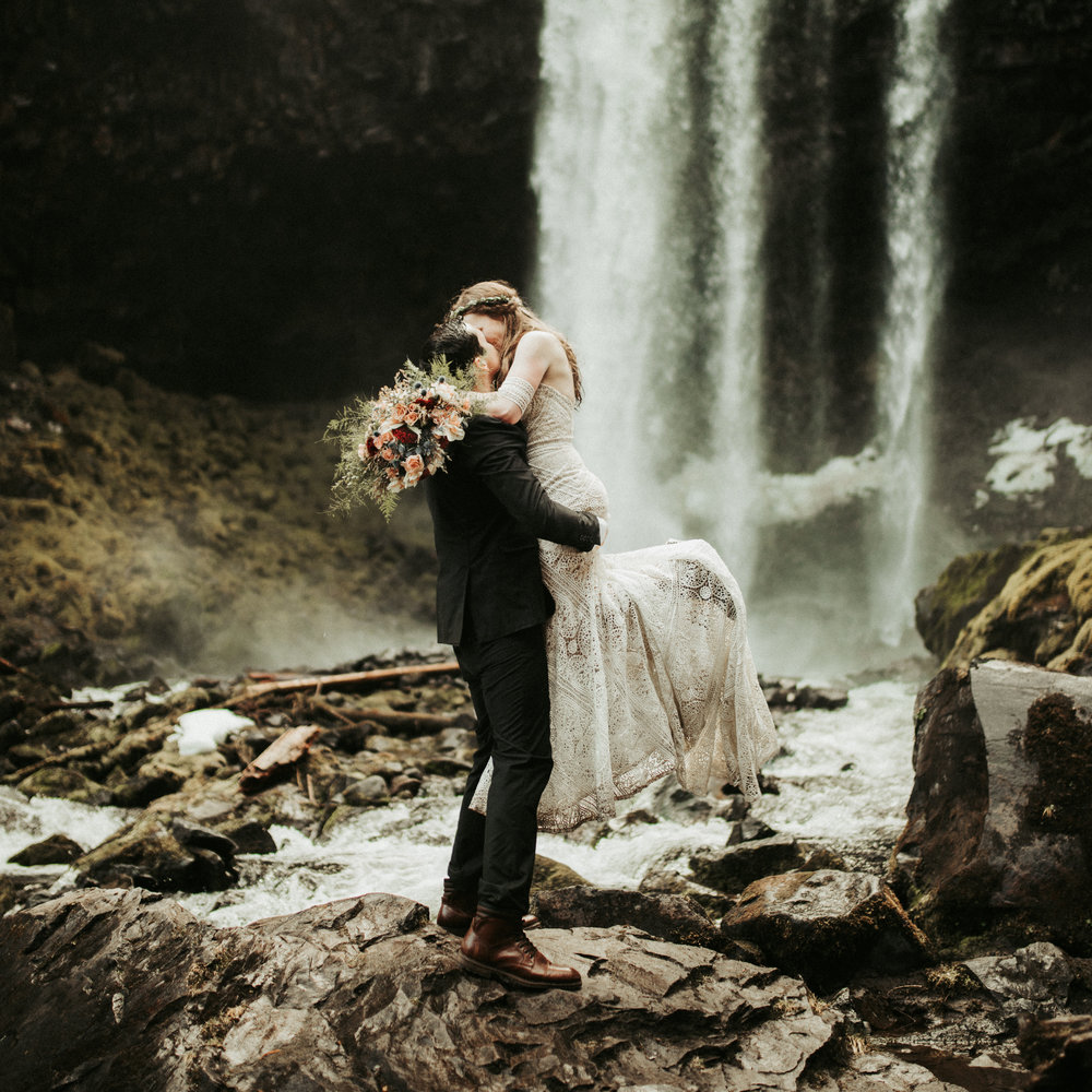 Adventurous wedding photographer - Montana mountain elopement - Cassandra Michelle Photography