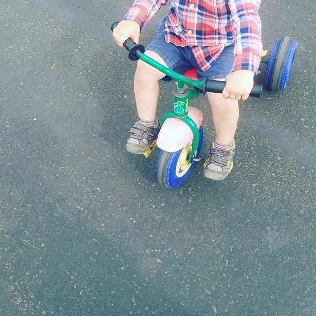 Peddle away! Where is this #preschooler going? We know he's off on some amazing adventures. #sandiego #preschool #toddler #tricycle #kids #outdoors #bikeride #socalkids #sdmom #sandiegodads #bbla