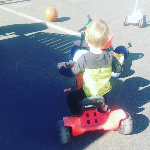 Does your toddler use pedals? Or are they still moving the bike with their feet? Did you know this is a normal developmental stage? Almost every child will use their feet for a long time. Don't worry, eventually they will move to the next stage. #tricycle #development #preschool #sandiego #winterinsandiego #bikeride #daycare