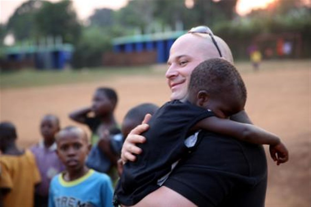 us-marines-volunteer-at-local-ugandan-school.jpg