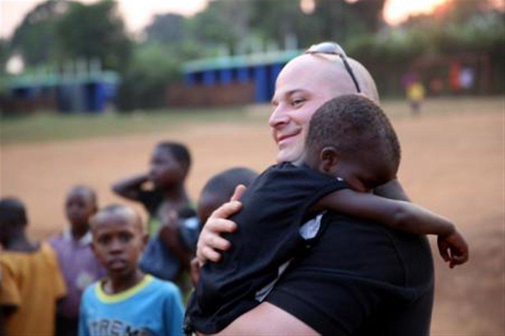 us-marines-volunteer-at-local-ugandan-school.jpg