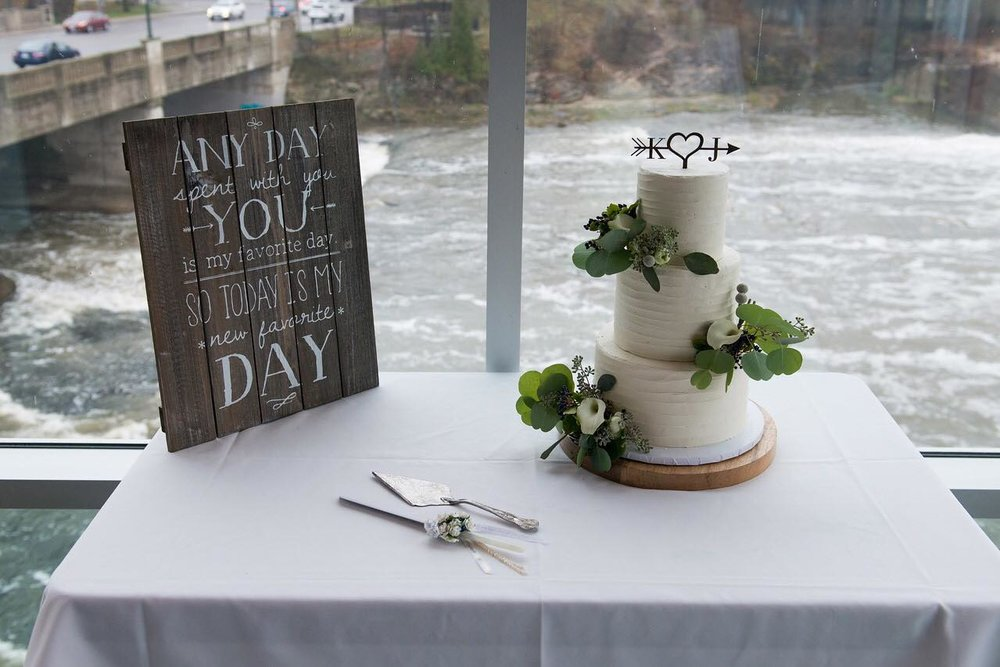 Cambridge Mill Wedding Cake, Cambridge, Hamilton Wedding