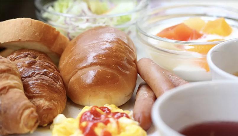 Business_Breakfast_web.jpg