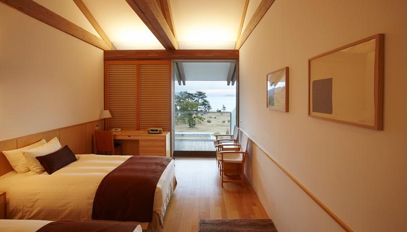 Benesse_Bedroom_web.jpg