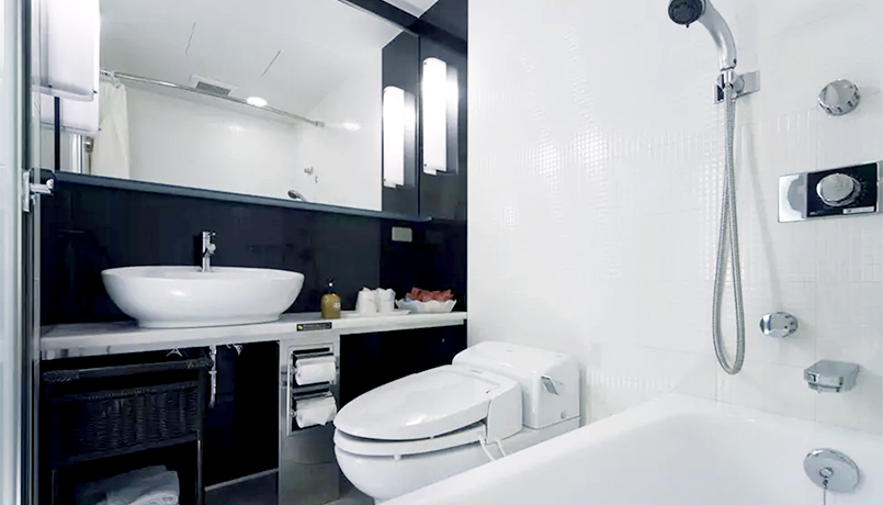 Western_Bathroom_web.jpg