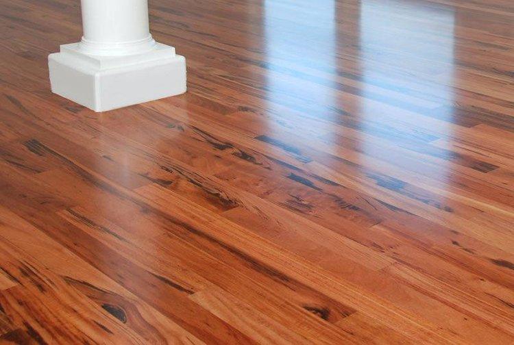 wood-floor-finish-wood-floor-finish-wood-floor-oil-finish-vs-polyurethane.jpg