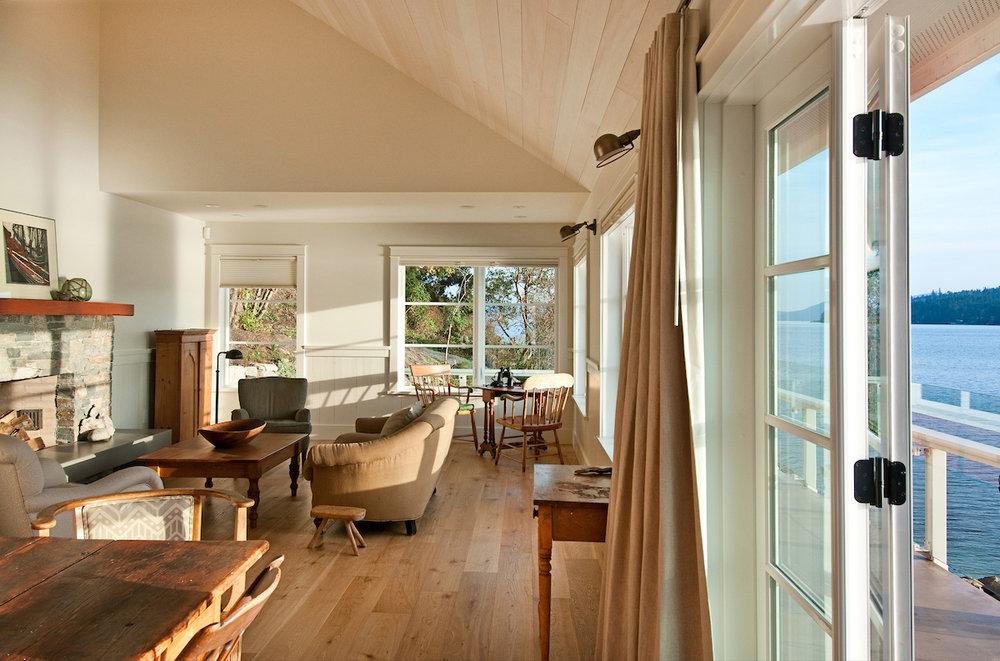 jfoster-cottage-14livingroom.jpg