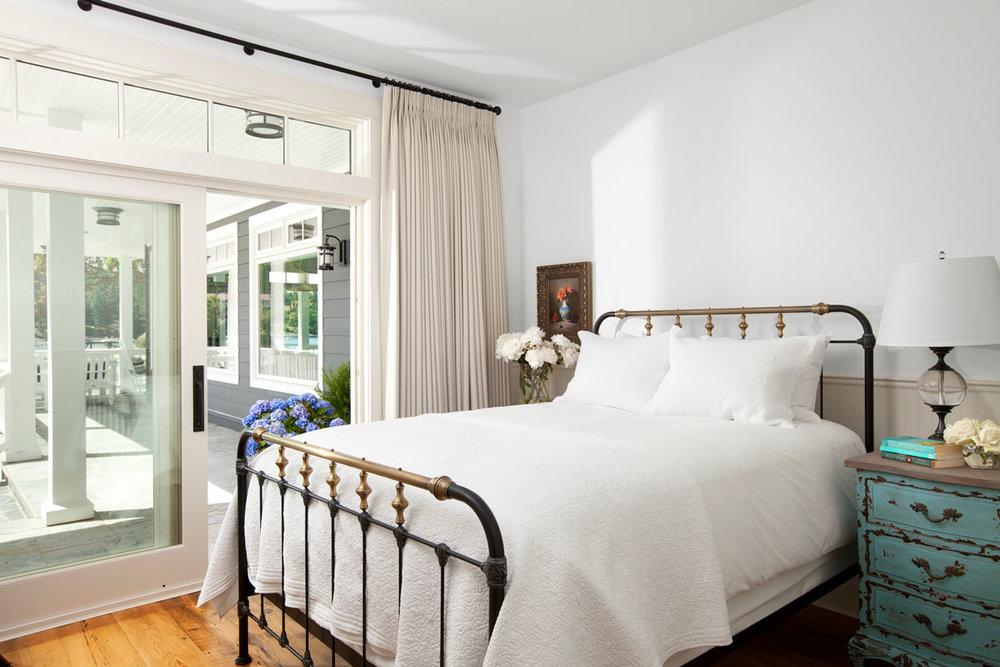 jodifoster-BR-14-bedroom1-1200x800.jpg