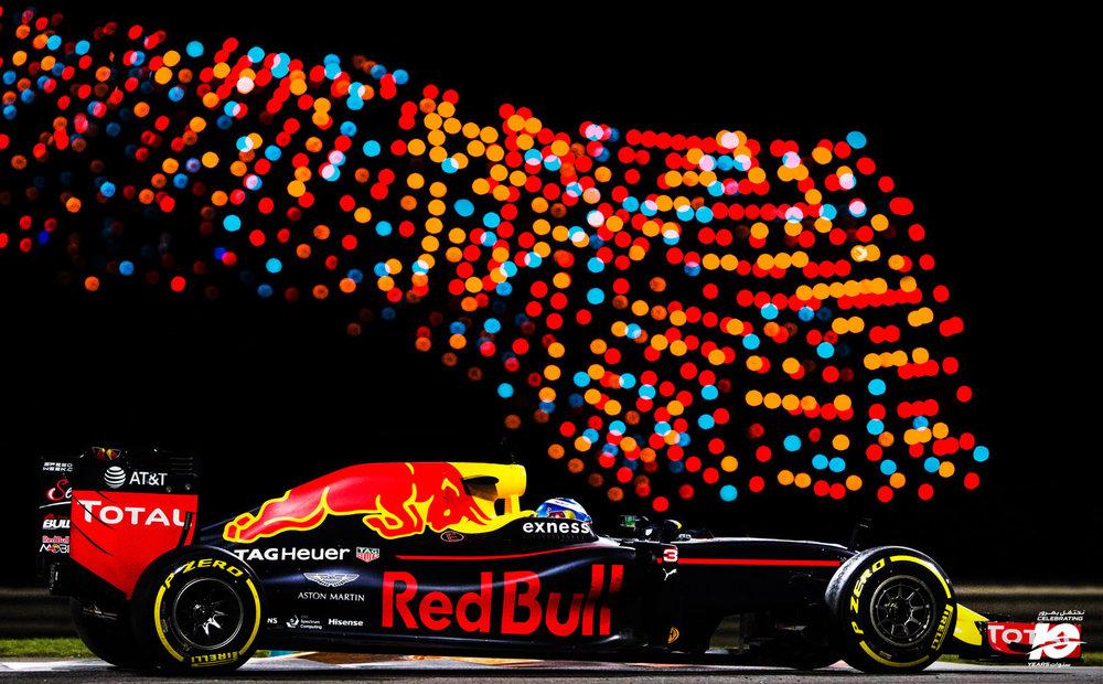8.D.Ricciardo_Abu_Dhabi'16_038_.jpg