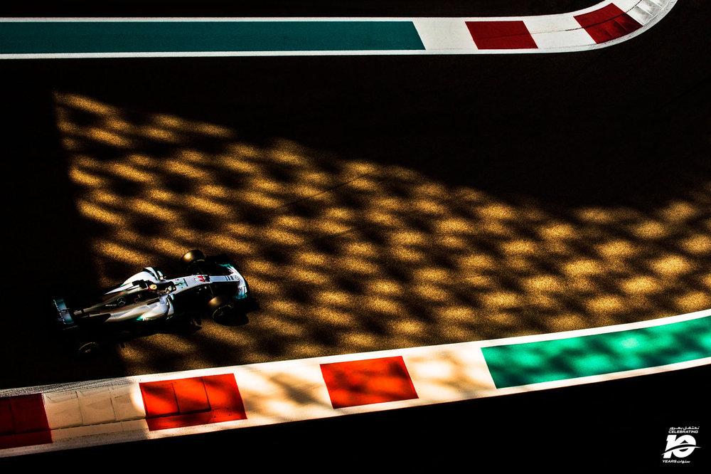 17.L.Hamilton_Abu_Dhabi'17_027_.jpg
