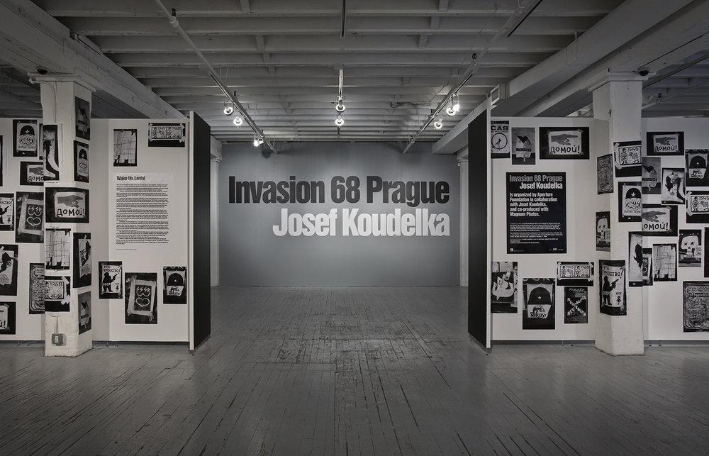 Josef Koudelka: Invasion 68 Prague
