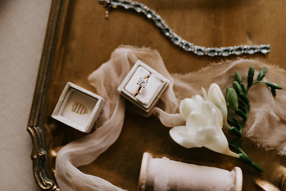 custom wedding planners detroit michigan event design paper goods florals neutral