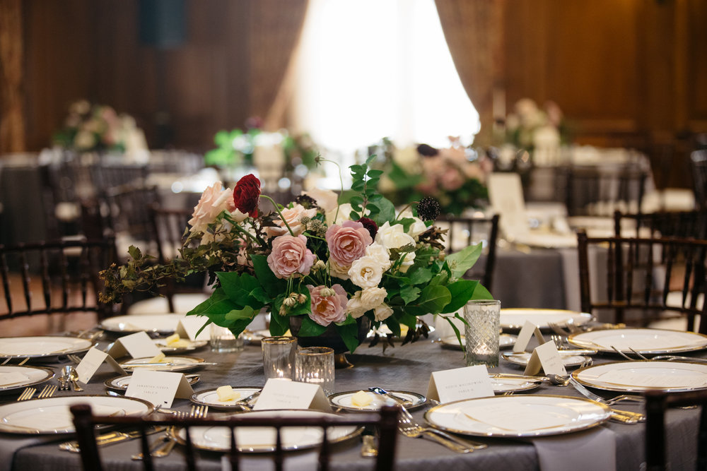 detroit michigan dac athletic club high end wedding planners florals paper goods signage reception table settings