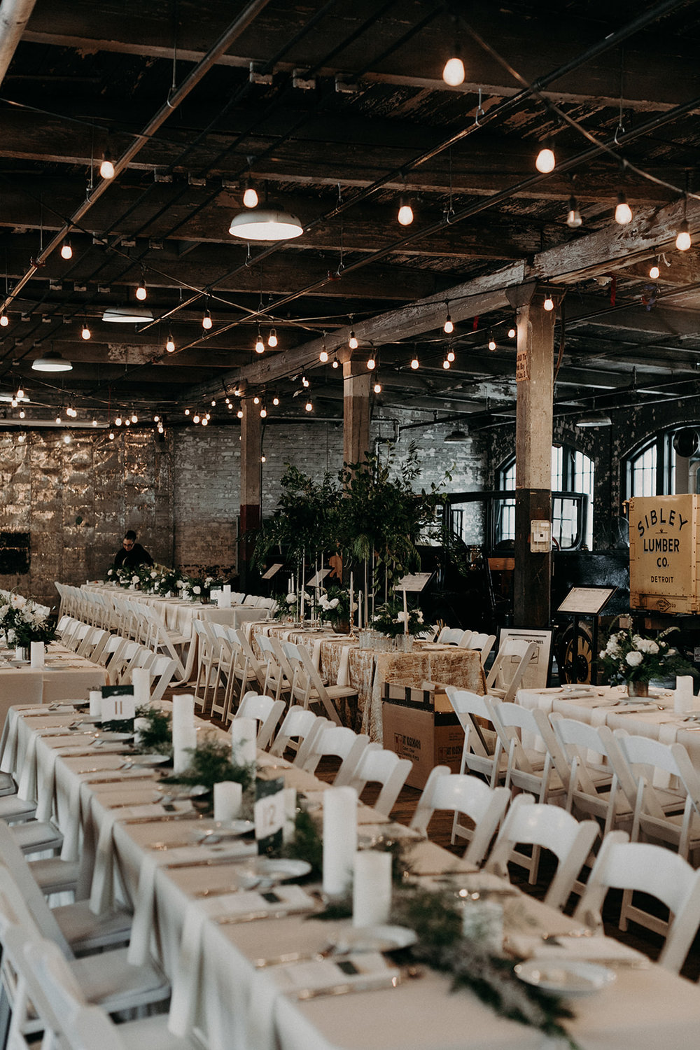 custom wedding planners detroit michigan event design paper goods florals tablescape dinner reception table settings