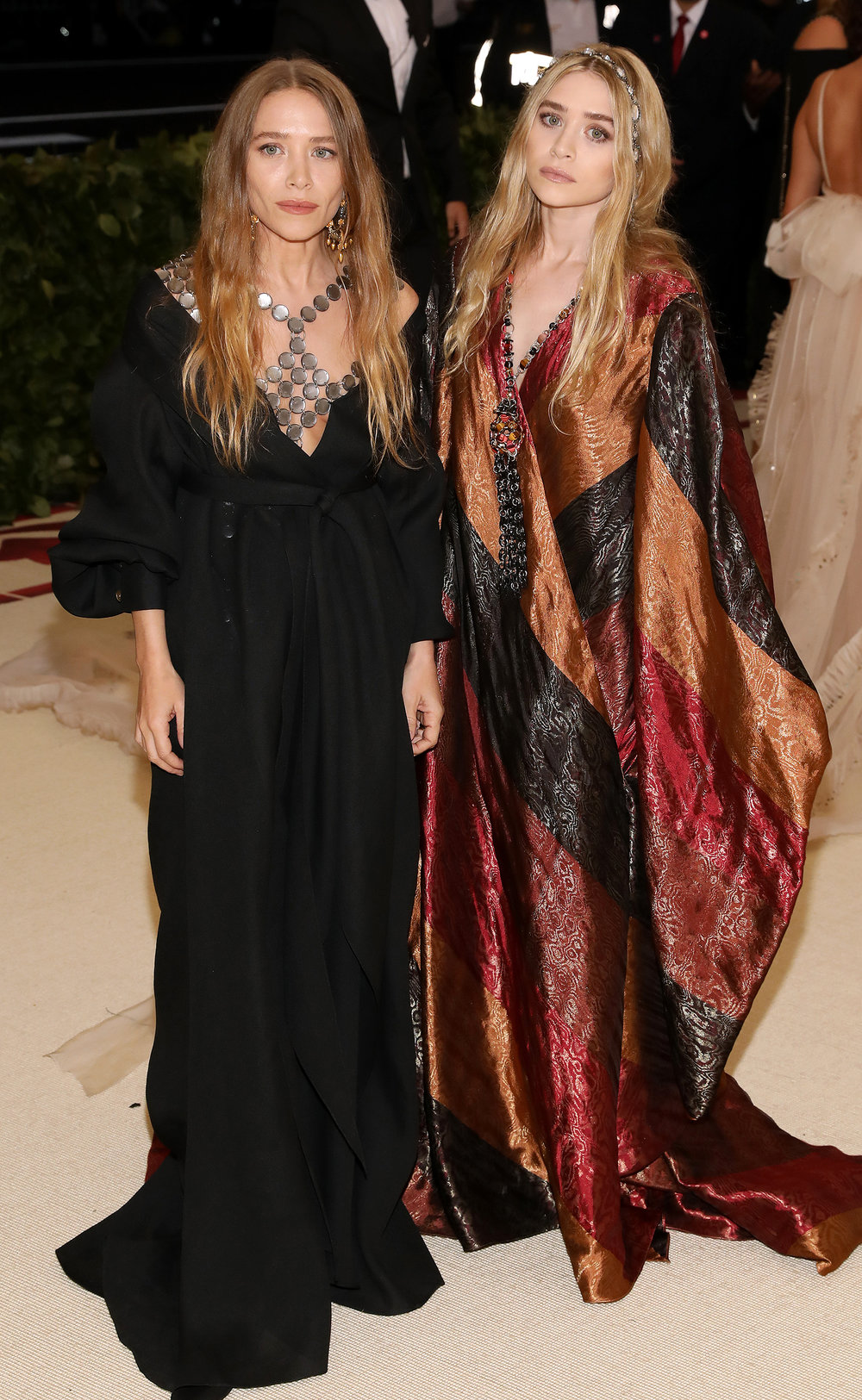 6. MARY-KATE & ASHLEY OLSEN