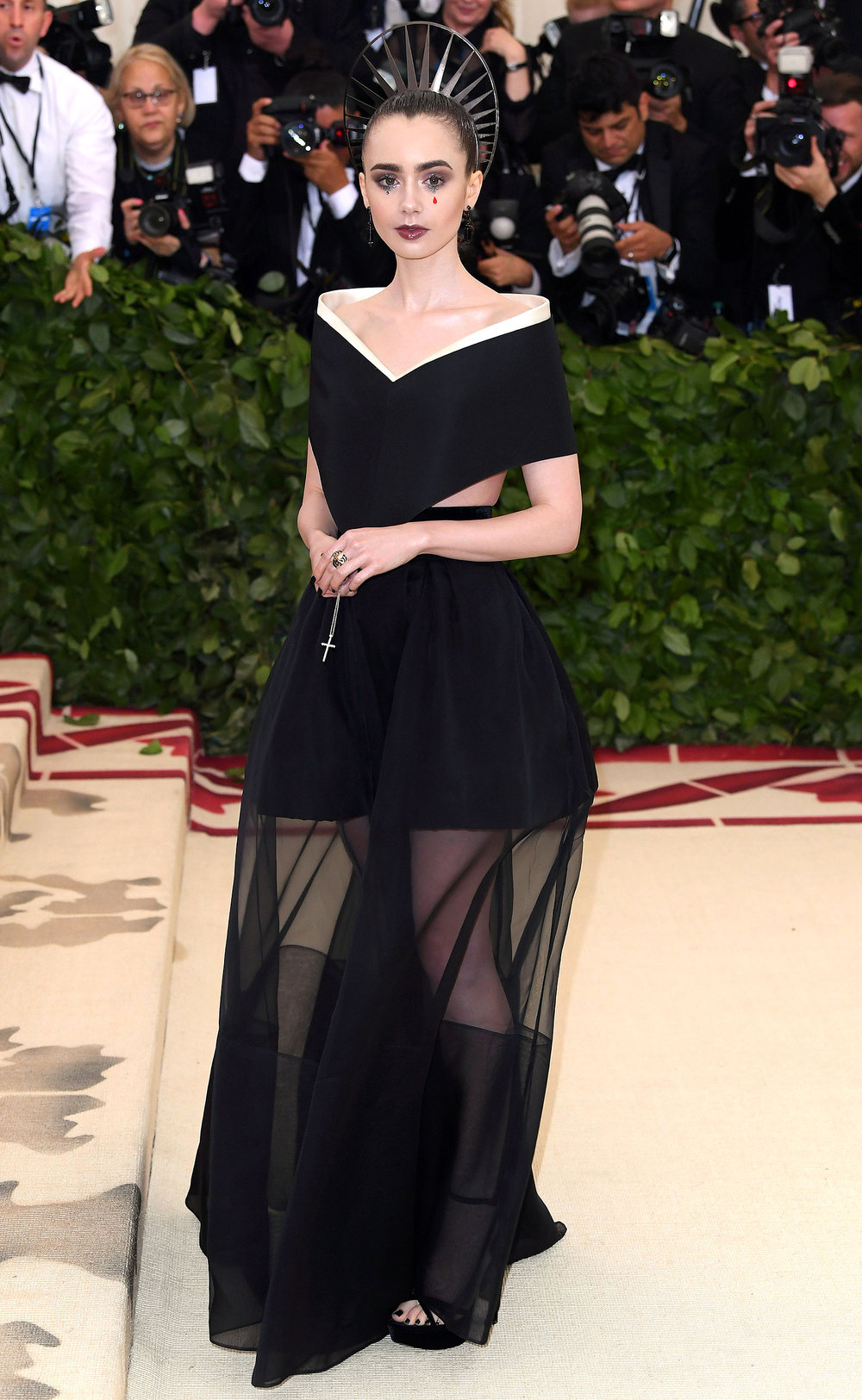 25. LILY COLLINS