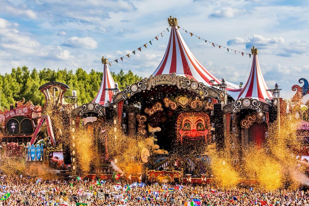 picture credit : FaceBook - tomorrowland