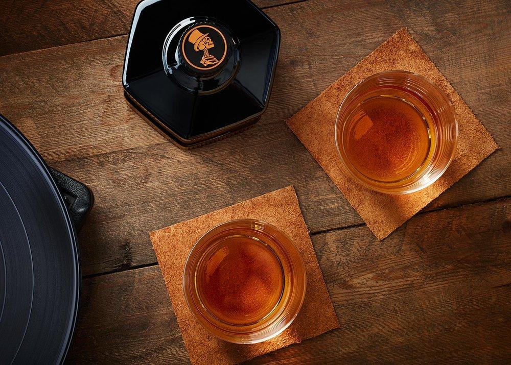 tom-medvedich-still-life-beverages-sexton-06.jpg