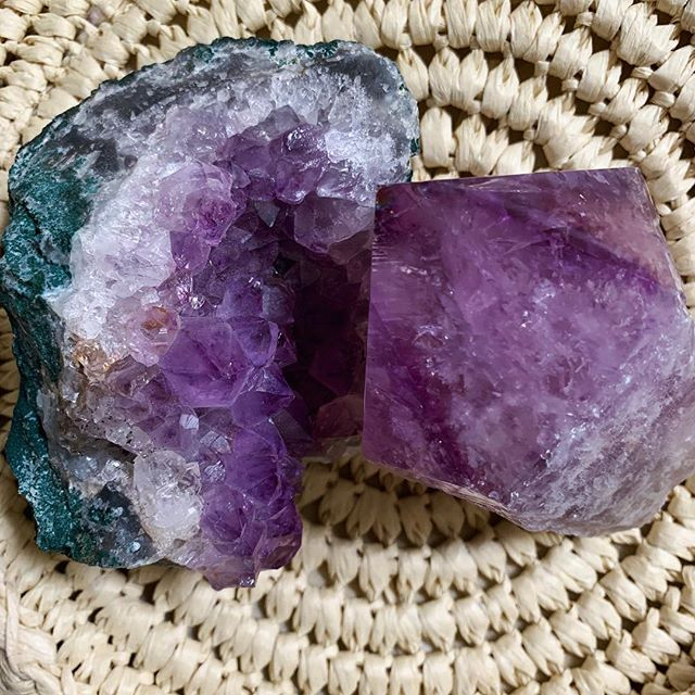 Amethyst 💜 we love all crystals in all shapes,color & form. • • • • • • • #crystalheart #shopcrystalheart #amethyst #crownchakra #chakrahealing #happiness #beauty #energy #chakras #crystals #crystalhealing #stones #purple #gemstones #positivevibes #positiveenergy #healing #brazil #usa #empowerment #wellness #happy #crystal #gem #purple