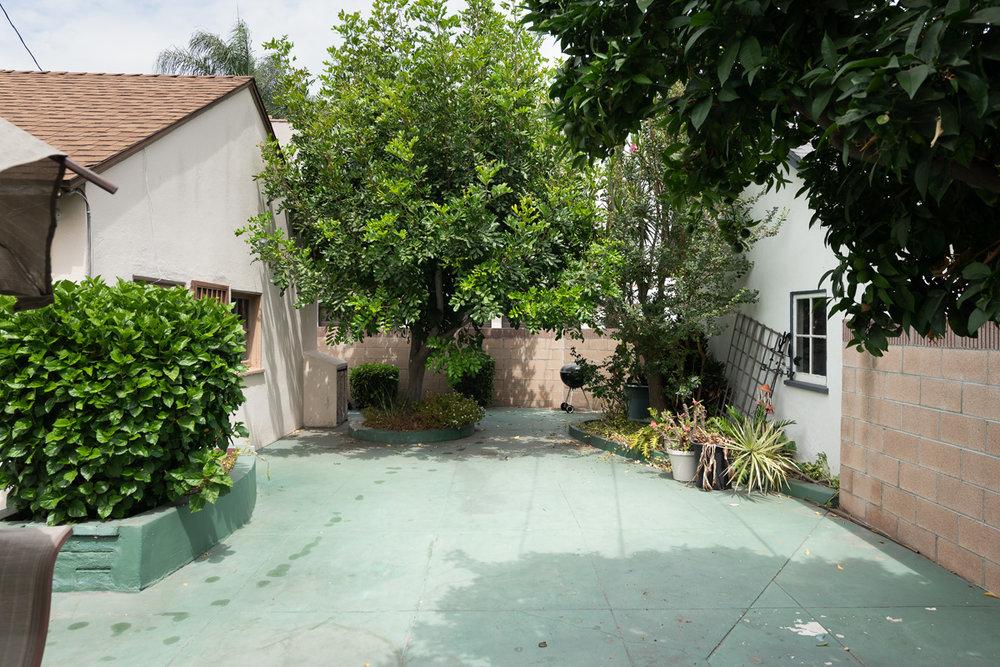 2190 Eucalyptus Ave_0013.jpg