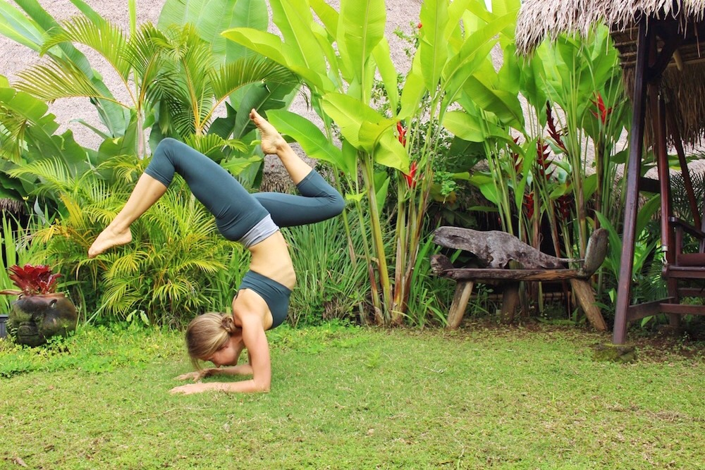 nava yoga pants
