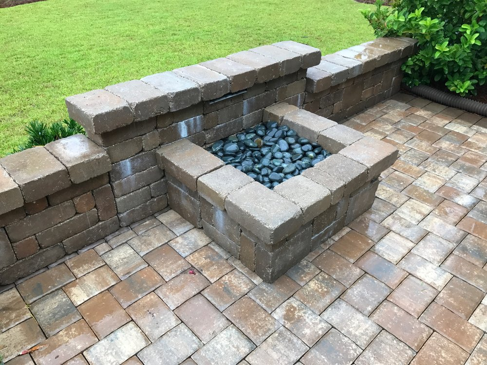 WATER FEATURE-BUILT INTO SEAT WALL.JPG