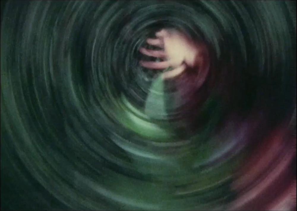 Still from  Un enano en el jardín  (1981), Claudio Caldini.