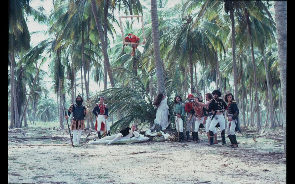 Still from  Bolívar, sinfonía tropikal,  Diego Rísquez, 1981.