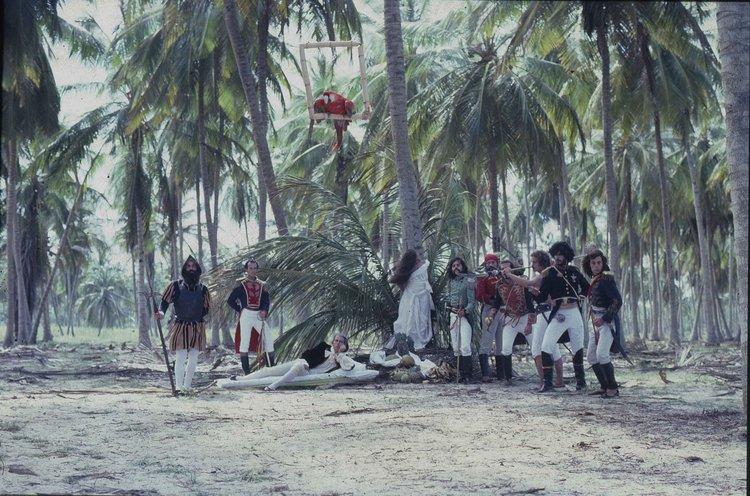 Still from  Bolívar,sinfonía tropikal (1980)