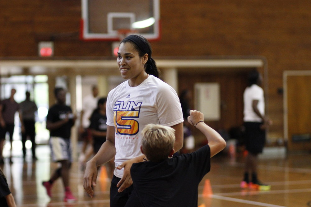 _Veez-Hoops-Brionna Jones-Connecticut-Sun-basketball-camp.JPG