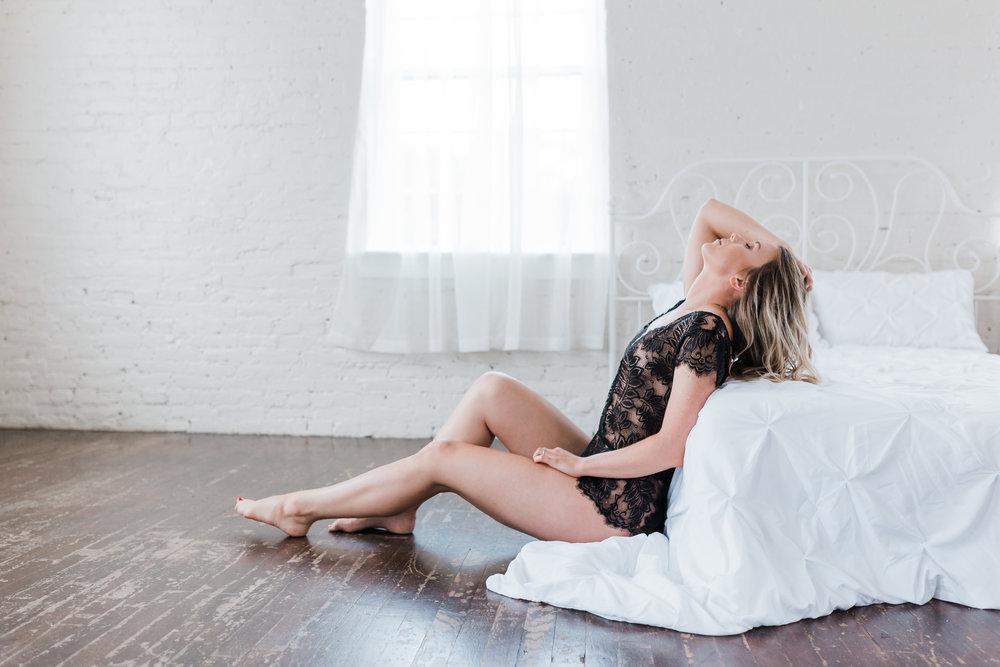 top boudoir photographer in Maryland